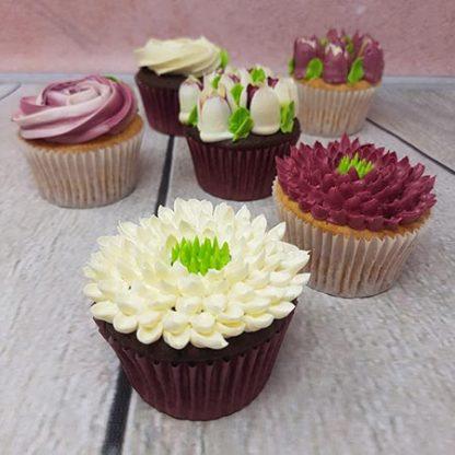 kvetinove cupcakes burgundi