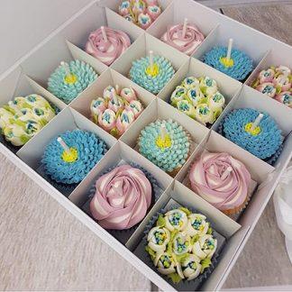 kvetinove cupcakes modre