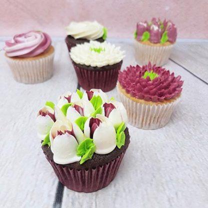 kvetinove cupcakes burgundi tulipan
