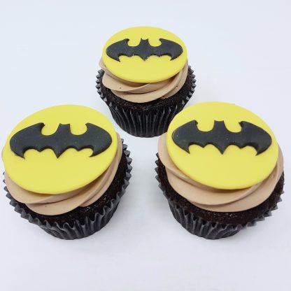 Tematicke cupcakes batman