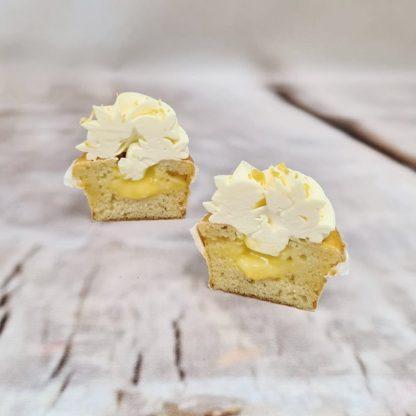 Citronový plněný cupcake